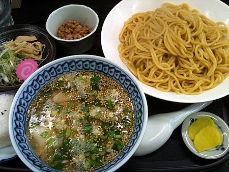 モツ入塩納豆つけ麺(大盛)